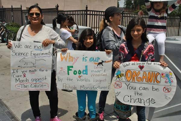 Monsanto famiglia protesta